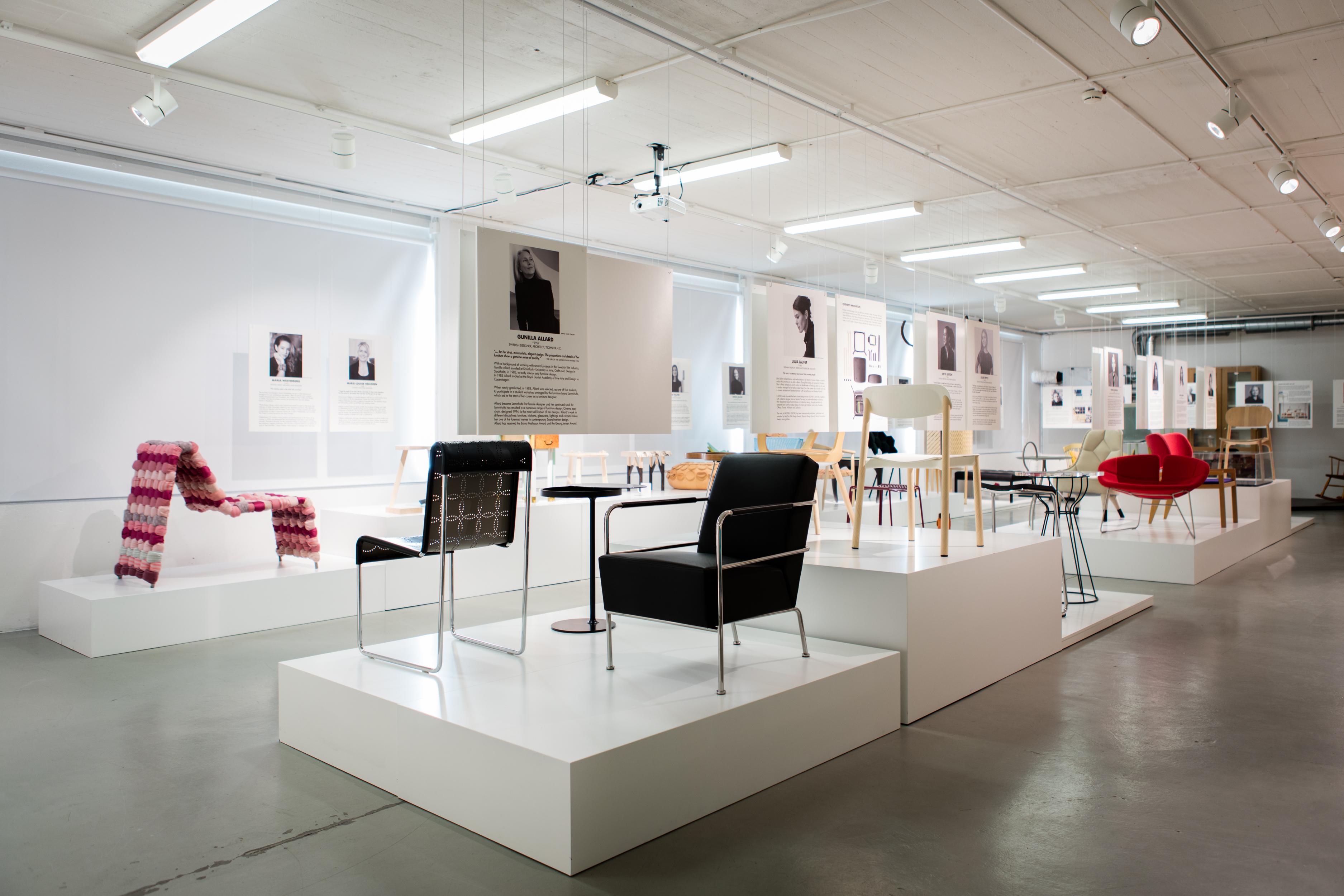 Kvinnliga Möbeldesigners Lyfts på Möbeldesignmuseum
