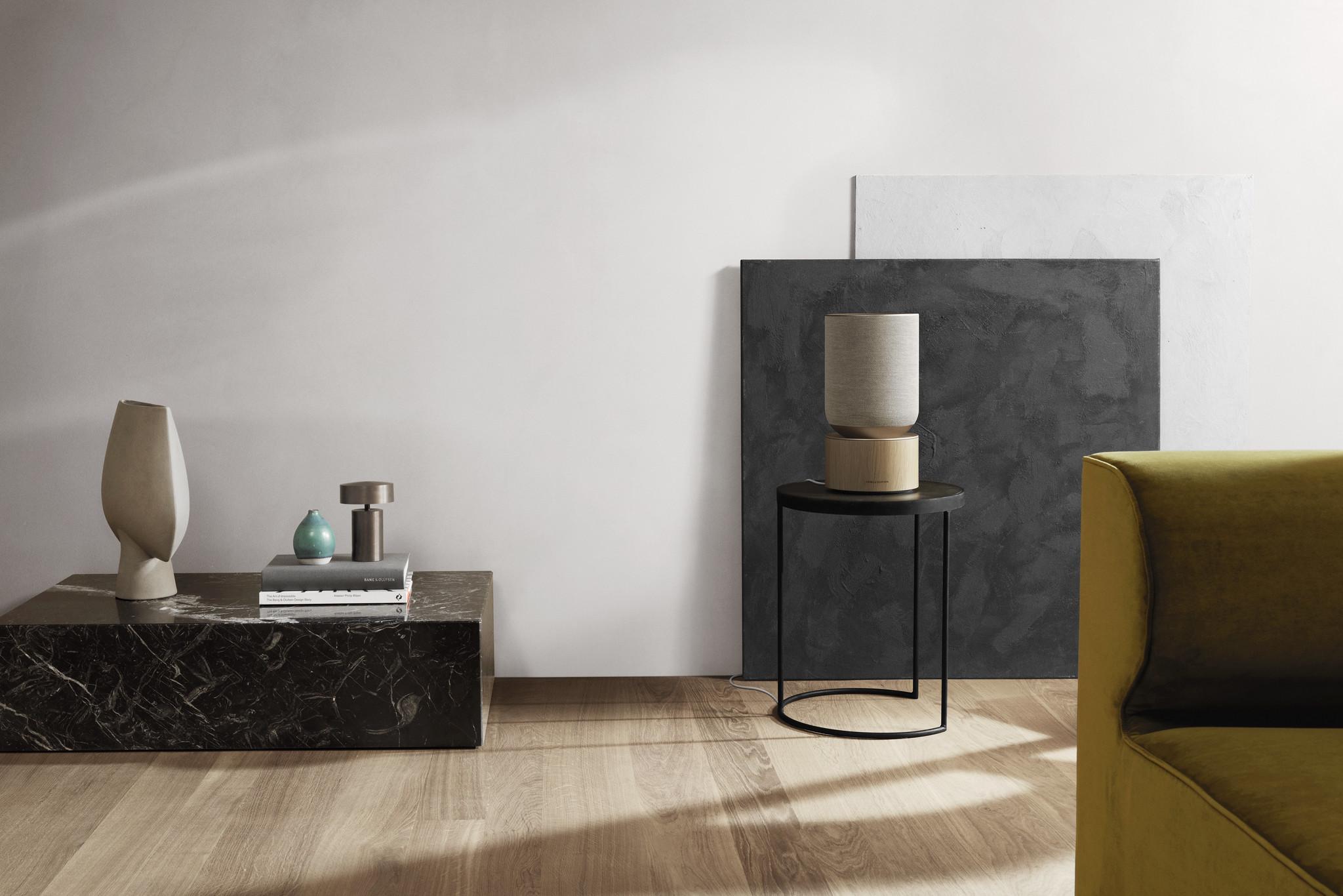 Bang & Olufsen släpper dekorativ och smart högtalare